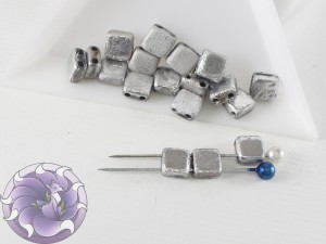 2-hole Squares 6x6mm Crystal Etched Labrador Full