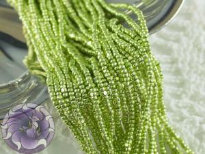 Бисер шарлотка 13/0 на нитке METALLIC TURQUOISE GREEN