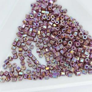 Бісер 5г TOHO - Hexagon 11/0 Opaque-Rainbow Oxblood
