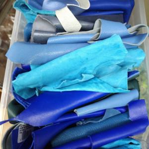 Кусочки натуральной кожи для рукоделия микс из синей палитры
