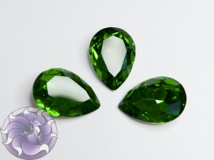 Кристалл Капля 18х13мм стекло К9 цвет Fern Green