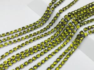 Стразовая цепь BN125 2мм ss6 Основа черная Цвет Olivine