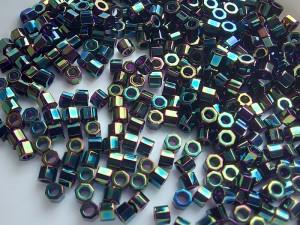 Бисер шестигранник 5г Miyuki Nex Cut 11/0 Цвет GREEN IRIS