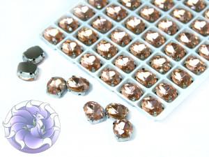 Кристалл в серебряной оправе Овал 10x8мм Светлый персик