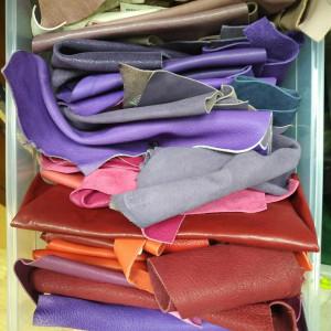 Кусочки натуральной кожи для рукоделия микс из фиолетовой палитры