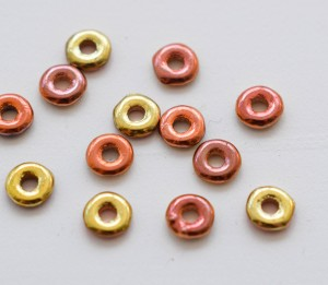 O bead ® 2 x 4 mm Jet California Gold Rush