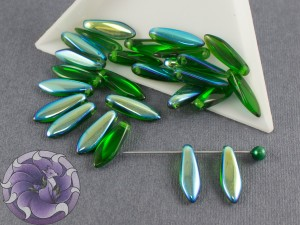 1-hole Glass Daggers 5x16mm Chrysolite AB