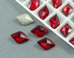 Кристалл форма Лимон 10*14мм, цвет Siam Красный