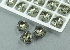 Кристалл форма Триллион 12мм, цвет Black Diamond, оправа серебро