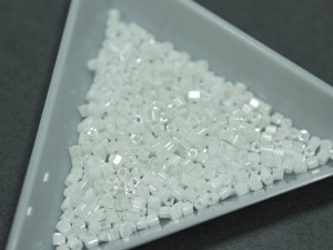 Бисер 5г TOHO- Hexagon 11/0 Opaque- Lustered White