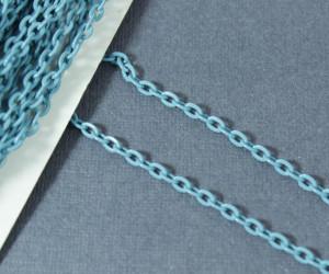 Цепь железная 3,7*2,5мм, цвет Голубая