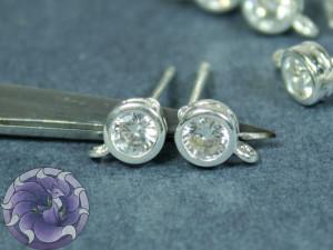 Швензы гвоздики Кристалл в оправе 5мм, Цвет Серебро