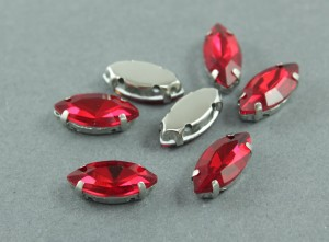 Кристалл Маркиз 15*7мм в серебряной оправе, Цвет Красный