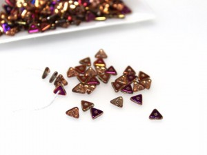 TRI-BEAD 4 MM CRYSTAL SLIPERIT