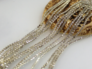 Стразовая цепь ss6 S39 Цвет прозрачный в серебре