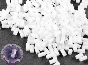 Стеклярус TOHO bugle #1 3мм Opaque White