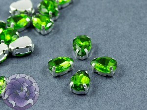 Кристалл в серебряной оправе Капля 10x8мм Green