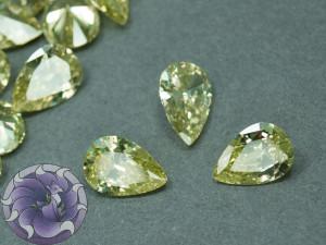 Кристалл фианит Капля 7х10мм Цвет Светло оливковый