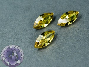 Кристалл маркиз 4228 Swarovski 15х7мм цвет LIGHT TOPAZ