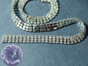 Стразовая цепь три ряда ss6 ширина 1см Цвет Прозрачный в серебре